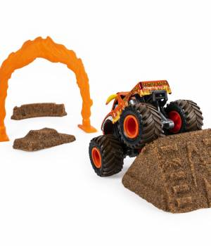 Monster Jam El Toro Loco Dirt Deluxe Set